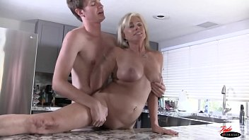 in with the creampie sex bathtub cowgirl doggystyle milf and has Coco and geezer