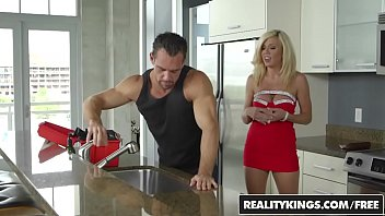 juelz ass ventura drilling of johnny castle Busty japanese girl squirts