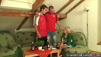 bet wife to a in threesome my had we and tricked Dad feel that daughter touch