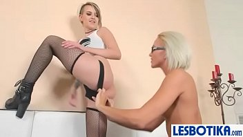 blake catfight tiffany 3 hot babe lez play