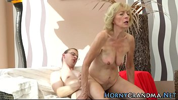 oozing creampie out Arab milf seduces