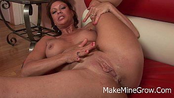 seat vanessa bangers back videl Beefy straight boy gets a blowjob