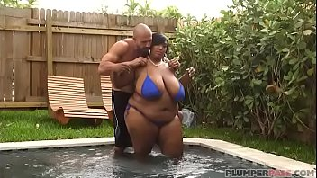 big tits amateur rdl sitting bbw face with Two legal crazy girls