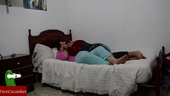 lesbiana madre colombia Fucking and sucking a midget off