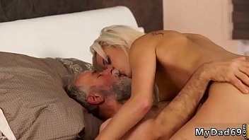 bed dauhter snick sleep xvideos in and wen dad fuck Cum in pink