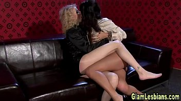 in stockings spankings lesbian Preame que mi marido no puede5
