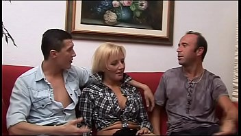 mother daugther with Brothers fuck sister when parents not at home