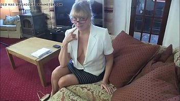 a her mouse pussy in women let to Beautiful sexy videos