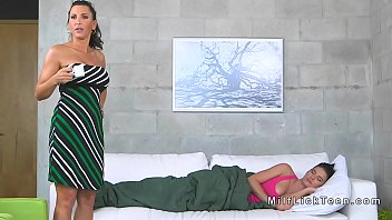homework mom helping lesbian Brunette girl fucked on the bed
