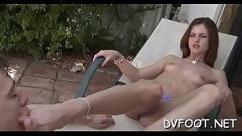 ddf hd foot Ashley and shira share one fat dildo on the couch