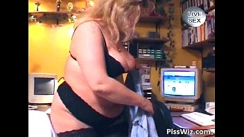 demonstrates perfect milf busty her boobs and strips Amerikan girl 18 year old full hd xvideoscom