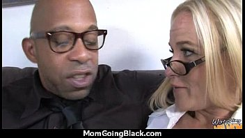 soccer guy mom 2 Shy pissing action with mary jane