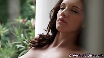 fingered pussy tied bed spread dildo to Sex appeal gal receives big o from anal screw