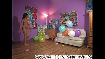 balloon colunm pop Facesitting smother ass