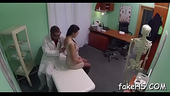 hindo pecent doctor German foot play