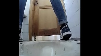 toilet school wanking off in 3dal tape porn