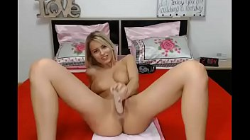 blonde webcam dildo Encontre desnuda a mi hijastra
