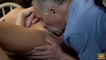 con codidas borrachas Ameture girl jess gagging on friends dick